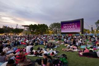 Movies by the Boulevard Crowd Cathy Freeman Park